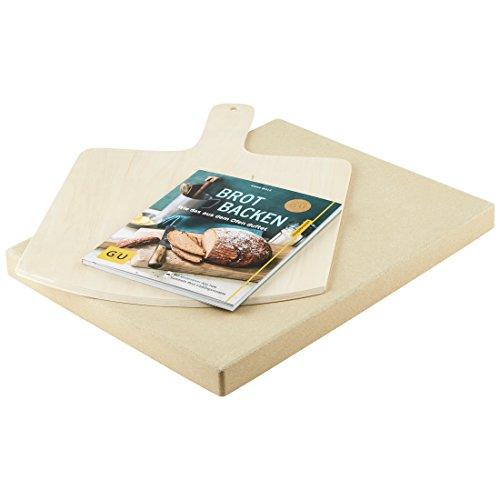 """Levivo Pizzastein/Brotbackstein aus hitzebeständigem Cordierit, 30 x 38 x 3 cm mit Levivo Brotschieber aus Holz, & GU Buch """"Brot backen"""""""
