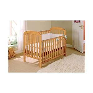 EAST COAST Anna Cot (Antique Pine) Obaby Adjustable, 3 position base height Beautiful slatted ends and sides help you keep an eye on your little one Teething rails ensure delicate teeth are protected 8