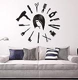 Dalxsh Salon de Coiffure Murale Décalque de Cheveux Outils de Cheveux Autocollant Mural Coiffeur Styliste Murale Horloge Murale Forme Barbier Boutique Beauté Salon Décor 42x39cm