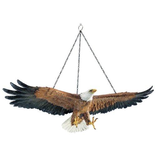 design-toscano-flug-der-freiheit-hangender-adler-skulptur