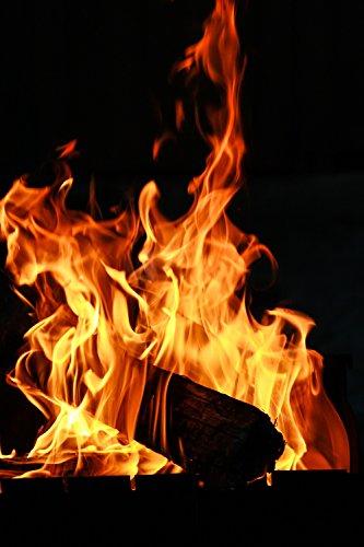 Feuerwürfel® 1000g Anzündhilfen entzünden Sie ganz natürlich ohne schädliche Zusatzstoffe nur mit Kerzenwachs & Holzspäne über 800°C Ihre gesamte Ofenfüllung, Grillkohle, Herd, Lagerfeuer, Holzkohlegrill, Grill, Kachel- oder Kaminofen. Die Feuerwürfel sind frei von Lösungsmittel, dadurch geruchsneutral, brennen ohne giftige Gase ab und das Grillgut behält seinen Eigengeschmack.