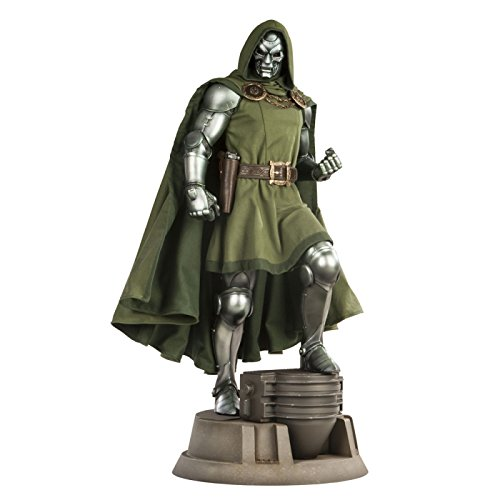Sideshow Collectibles Premium Format Figure 1:4 Scale Dr Doom Victor von Doom