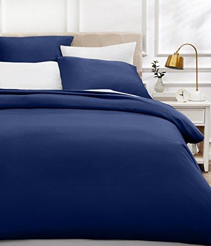 AmazonBasics - Bettwäsche-Set, Fadendichte 400, Baumwollsatin, 200 x 200 cm und zwei Kissenbezügen, 65 x 65 cm, Marineblau