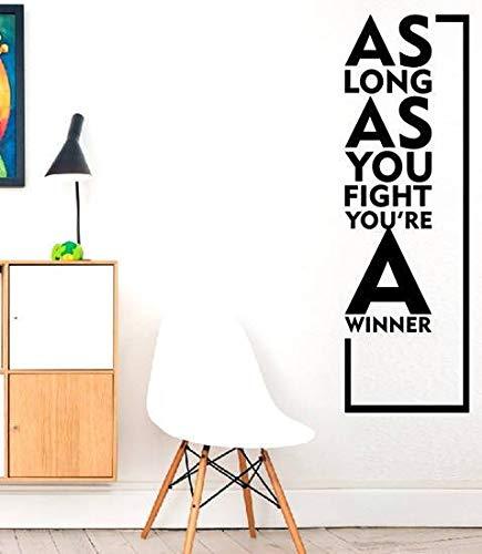 junge Solange Sie kämpfen, sind Sie ein Gewinner ()