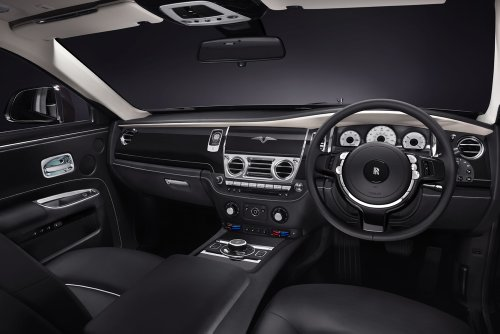 clasico-y-musculo-anuncios-de-coche-y-coche-arte-v-specification-de-rolls-royce-ghost-2014-coche-pos