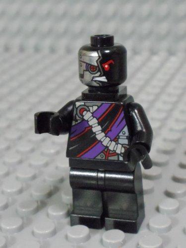 Preisvergleich Produktbild Lego Ninjago - Minifigur Nindroid Drone mit Rückenhalterung