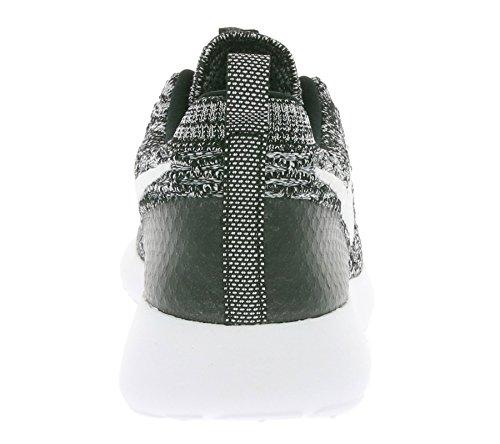 Nike Wmns Roshe One Flyknit, Chaussures de Sport Femme Noir (Noir / Blanc-Cool Grey)