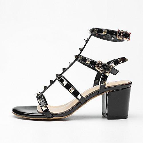 XY&GKDie Sandalen Frauen Sommer Leder Dick mit Sommer dünne Einfach in Europa und in den Vereinigten Staaten schwarze Rom Niet High-Heeled Sandalen, komfortabel und schön 37 yards black