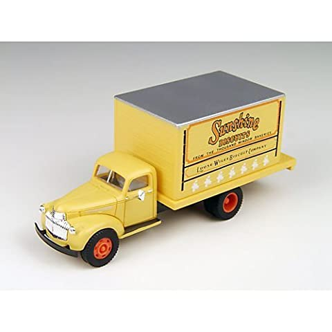 HO 1941-1946 Chevrolet Box Truck, Sunshine Bakery by CLASSIC METAL