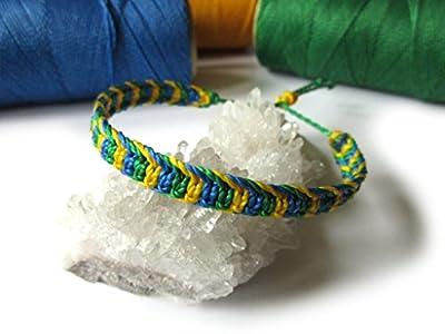 Bracelet brésilien/amitié/bijoux unisexe en fil Vert Jaune et Bleu Couleur Drapeau Brésil tissé main en macramé