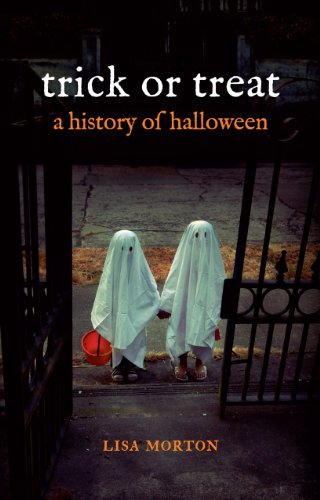 Trick or Treat: A History of Halloween por Lisa Morton
