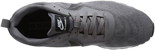 Nike MD Runner 2 ENG Mesh, Sneaker Uomo Grigio (Gunsmoke/black/vast Grey White 003)