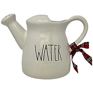 Rae Dunn Bewässerungskrug/Kanne, Artisan Collection von Magenta, schöne weiße Gießkanne mit Wasser in großer LL-Schriftart - Super für die Dekoration in Ihrem Zuhause.