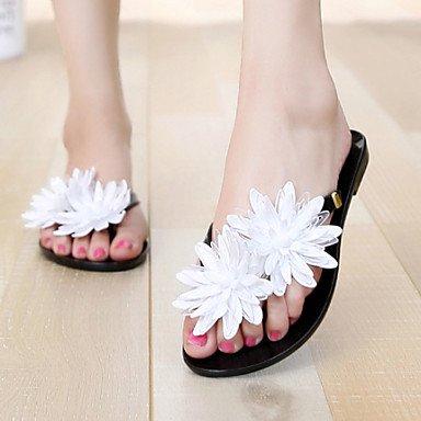 Donne'sscarpe in pelle di brevetto tacco piatto infradito pantofole Esterni / Abbigliamento Casual / nero / Beige US7.5 / EU38 / UK5.5 / CN38
