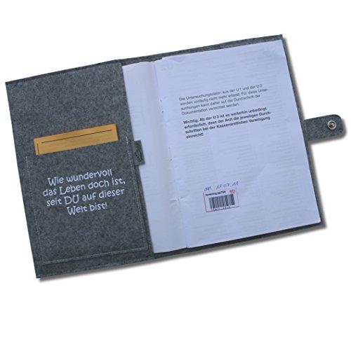 """U-Hefthülle Deluxe """"Es gingen eine ganze Weile"""" mit Namen und Geburtsdaten sowie zwei Fächern und Verschluss - aus 100% Wollfilz - in deutscher Handarbeit gefertigt - Rosa - 3"""