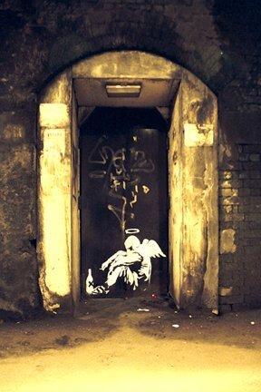 Mini-Poster Banksy Straßen-Engel, Papier, ca. 60 x 42 cm -