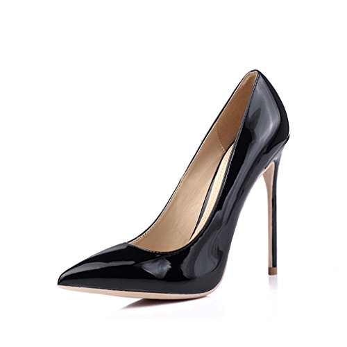 Talons hauts noirs pointus avec des chaussures 10 cm