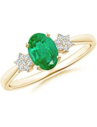 Tapered Oval Emerald Solitaire Ring with Diamond Clusters (7x5mm Emerald)