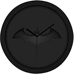 "Batman Wanduhr - ""Bat-Logo"" in Carbon-Optik - 0122044 Reloj de Pared, Negro, 28.0 x 28.0 x 4.5 cm"