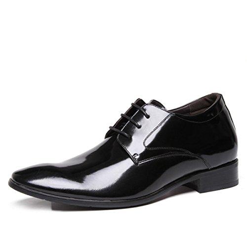 Les Quatre Saisons Des Hommes Portant Des Chaussures En Cuir Décontractés En Premier Plan Noir