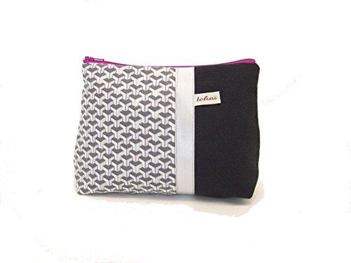 trousse fourre tout noir et argent a motifs geometriques , pochette maquillage en toile et tissu graphique , cadeau femme