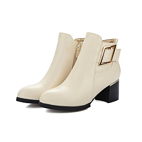AllhqFashion Damen Niedrig-Spitze Rein Reißverschluss Stiefel mit Metall Schnalle Cremefarben