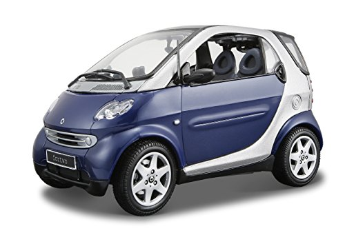 maisto-118-special-edition-mercedes-smart-car