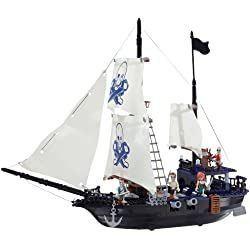 Barco pirata de juguete.