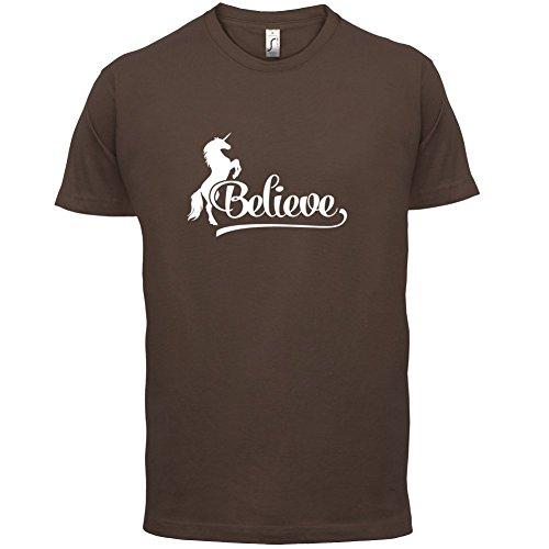 Believe Unicorn - Herren T-Shirt - 13 Farben Schokobraun