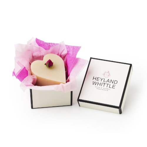 heyland-and-whittle-heart-shaped-queen-of-the-nile-natural-soap-in-a-gift-box