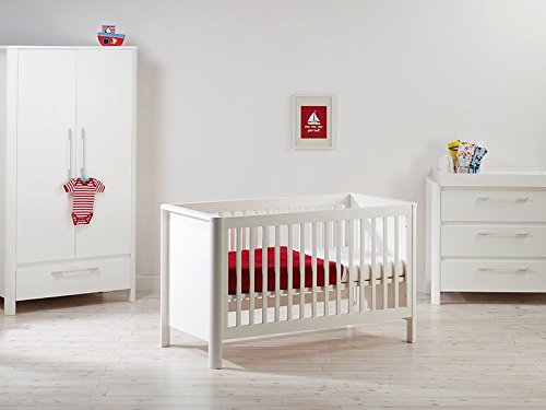 East Coast Nursery Liberty Cot Bed East Coast Nursery Ltd 3 base heights Converts to a toddler bed Mattress size 140 x 70cm 1