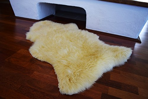 long-cheveux-peau-dagneau-mouton-bebe-agneau-naturelle-pointe-en-baviere-medical