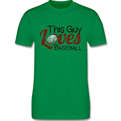 Baseball - This Guy loves Baseball - Vintage look - L190 Herren Premium Rundhals T-Shirt Grün