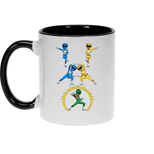 Okiwoki Power Rangers Lustiges Schwarz Tasse - Gelb Power Ranger, Blau Power Ranger und Grün Power Ranger (Power Rangers Parodie) (Ref:1116)