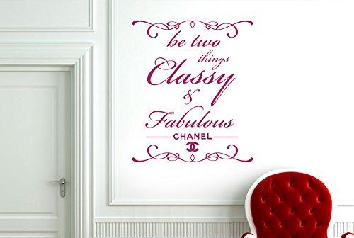 CUT IT OUT Chanel Be Two Things Classy und Fabulous Wand Sticker Kunst Aufkleber-Medium (Höhe 57cm x Breite 48cm) violett