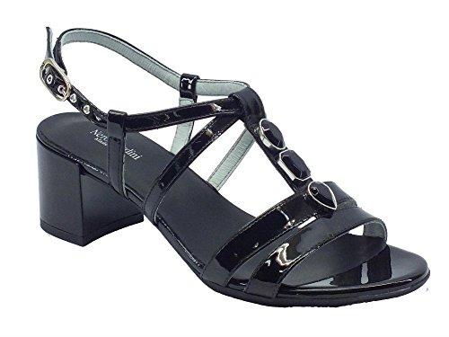 P615540D-100.Sandalo in vernice t.60.Nero.39