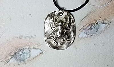 Pendentif unisexe, bijou ésotérique/Egyptien, scarabée en bronze couleur argent, lien de cuir noir(aussi en bronze-or et en cuivre)