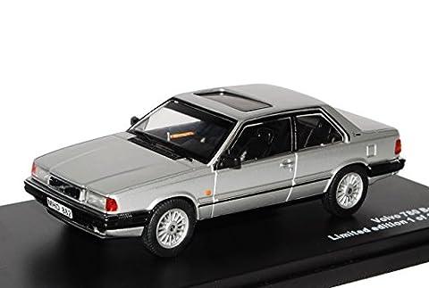 Volvo 780 Bertone Coupe Silber 1985-1990 limitiert 1 von 600