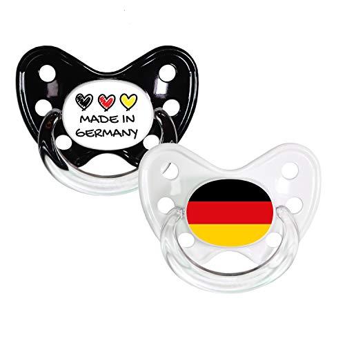 Dentistar® Silikon Schnuller 2er Set inkl. 2 Schutzkappen - Nuckel Größe 3, ab 14 Monate - Fahnen Fan Kollektion - Made in Germany & Flagge
