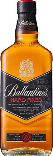 Ballantines Hard Fired Blended Scotch Whisky - Hard fired Whisky aus doppelt ausgebrannten Eichenfässern für einen besonders rauchig & würzigen Geschmack - 1 x 0,7 L