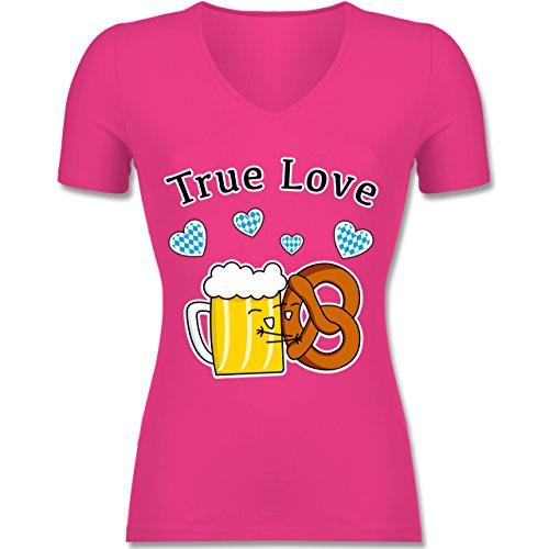 Oktoberfest Damen - True Love- Bier und Breze - Tailliertes T-Shirt mit V-Ausschnitt für Frauen Fuchsia