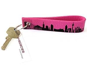 44spaces Design Schlüsselanhänger DÜSSELDORF Skyline Loop Wollfilz in pink, persönliches Geschenk für Frauen Männer Geburtstag Einzug Städtereise