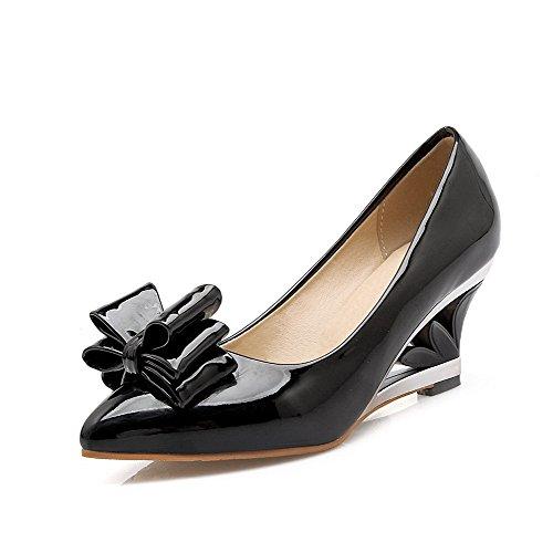 AllhqFashion Femme Tire à Talon Correct Verni Couleur Unie Pointu Chaussures Légeres Noir