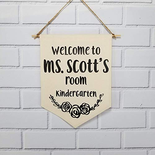 Hanging Wall Banner Teacher Door Hanger Sign Personalized Welcome Back to School Gift New Teacher Classroom Decor Decoration 12 x 10