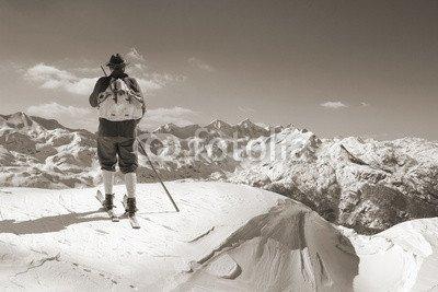 """Leinwand-Bild 90 x 60 cm: """"Sepia Vintage skier with wooden skis"""", Bild auf Leinwand"""