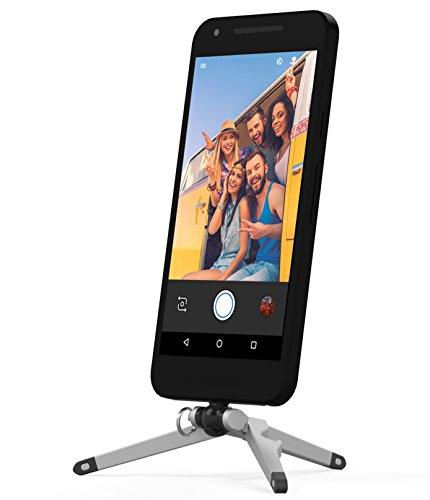 Kenu Stance Kompaktstativ für Smartphones mit USB-C Anschluss z.B. Google, Motorola oder Sony - silber/schwarz (Klein & kompakt (34g), Horizontal & Vertikal, Kugelgelenk, Flaschenöffner) - ST4-KK-NA Stand-alone Foto