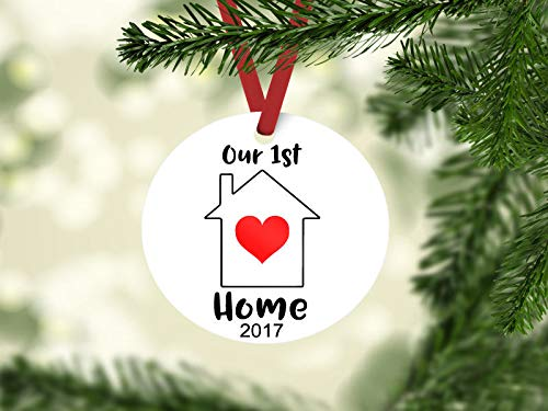 (Dozili Dekofigur Our First Home, Weihnachtsdekoration)