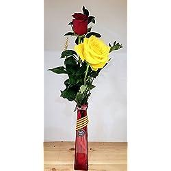 ROSAS DE SANT JORDI. 2 rosas frescas+banda+espiga. Añade tu dedicatoria personalizada.