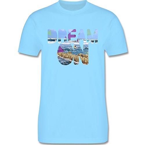 Statement Shirts - Dream On Strand Meer - Herren Premium T-Shirt Hellblau