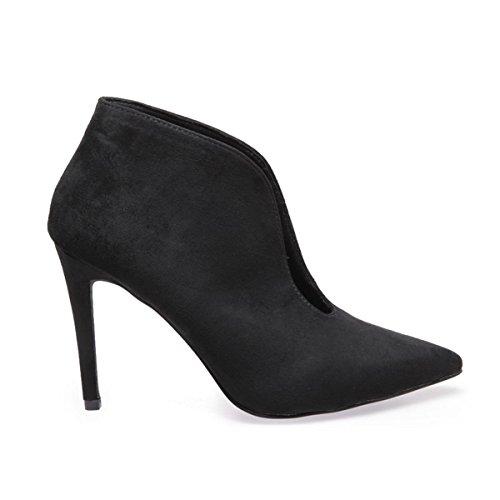 La Modeuse Low Boots Échancrées en Suédine Noir